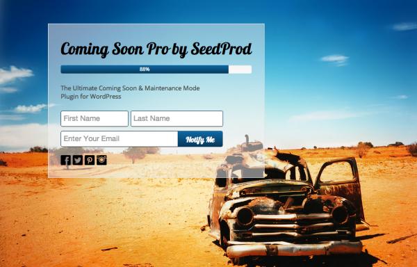 Puedes generar contactos antes de lanzar la web al público :)