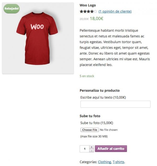 En este ejemplo, el usuario puede elegir un texto e incluso subir una imagen para personalizar el producto